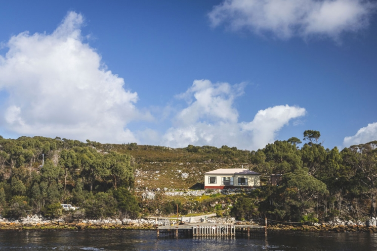 Maison aux abords de Macquarie Harbour