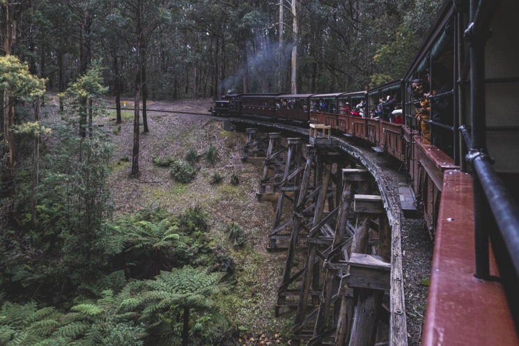 Puffing Billy sur un pont