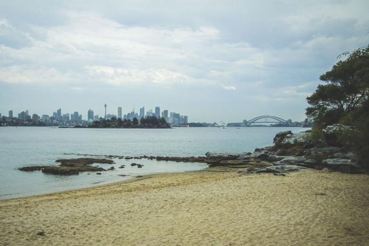 Vue sur le centre-ville de Sydney du Hermitage Foreshore Walk